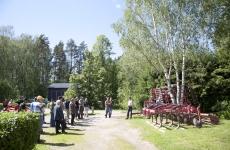 Pellonpiennartapahtuma Koivikon tilalla kesäkuussa 2012